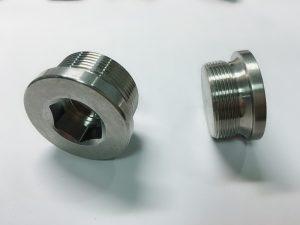 nerūdijančio plieno žiedinis varžtas su ss rakto žiedu